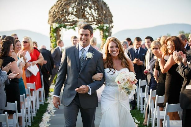 Rutledge Gown-Carol Hannah, Outdoor Wedding