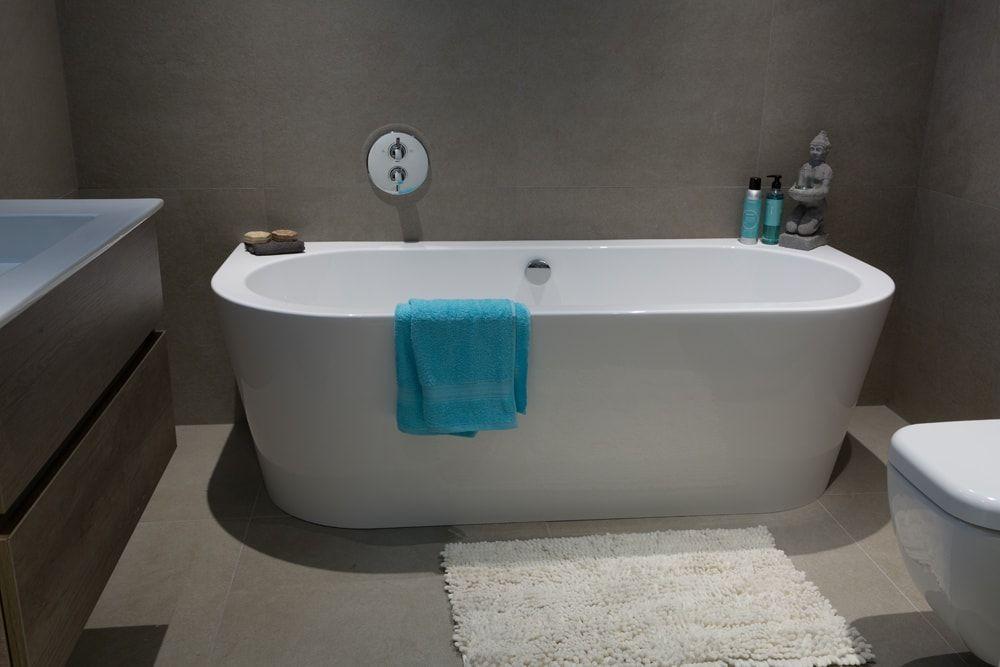 Bent u opzoek naar een moderne nieuwe badkamer met design kranen