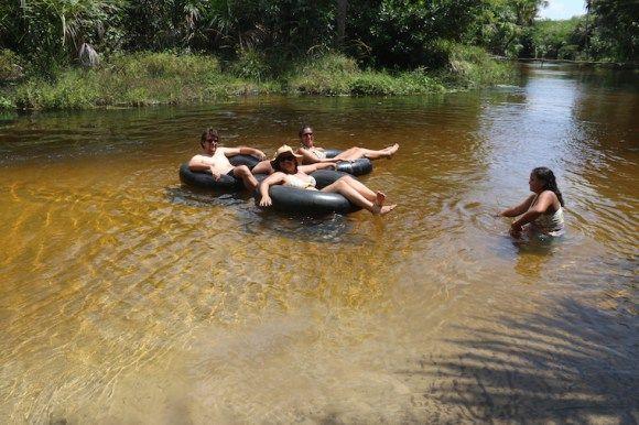 Passeio de boia no rio formigas, Maranhão