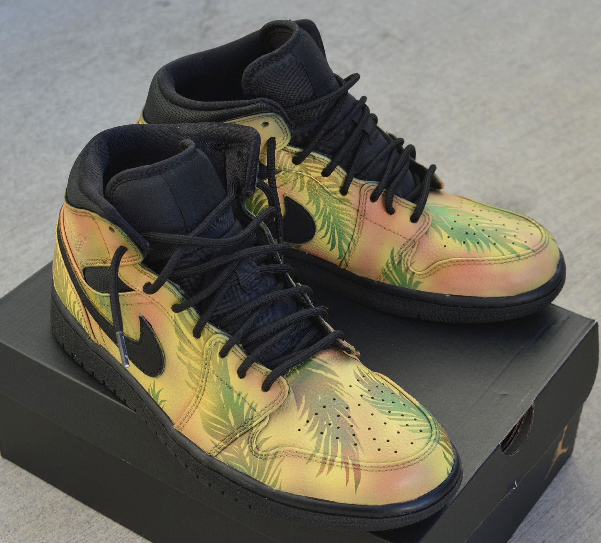 detailed look f1dd0 8c921 Tropical Floral Nike AJ1 Retro - Hand Painted Jordans