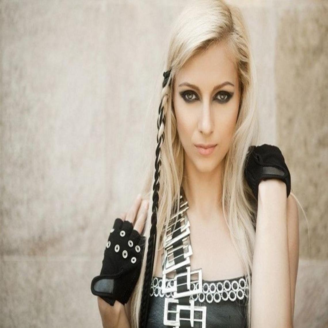 Andreea Tonciu este si ea victima a acneei! | dan | Pinterest | Ea