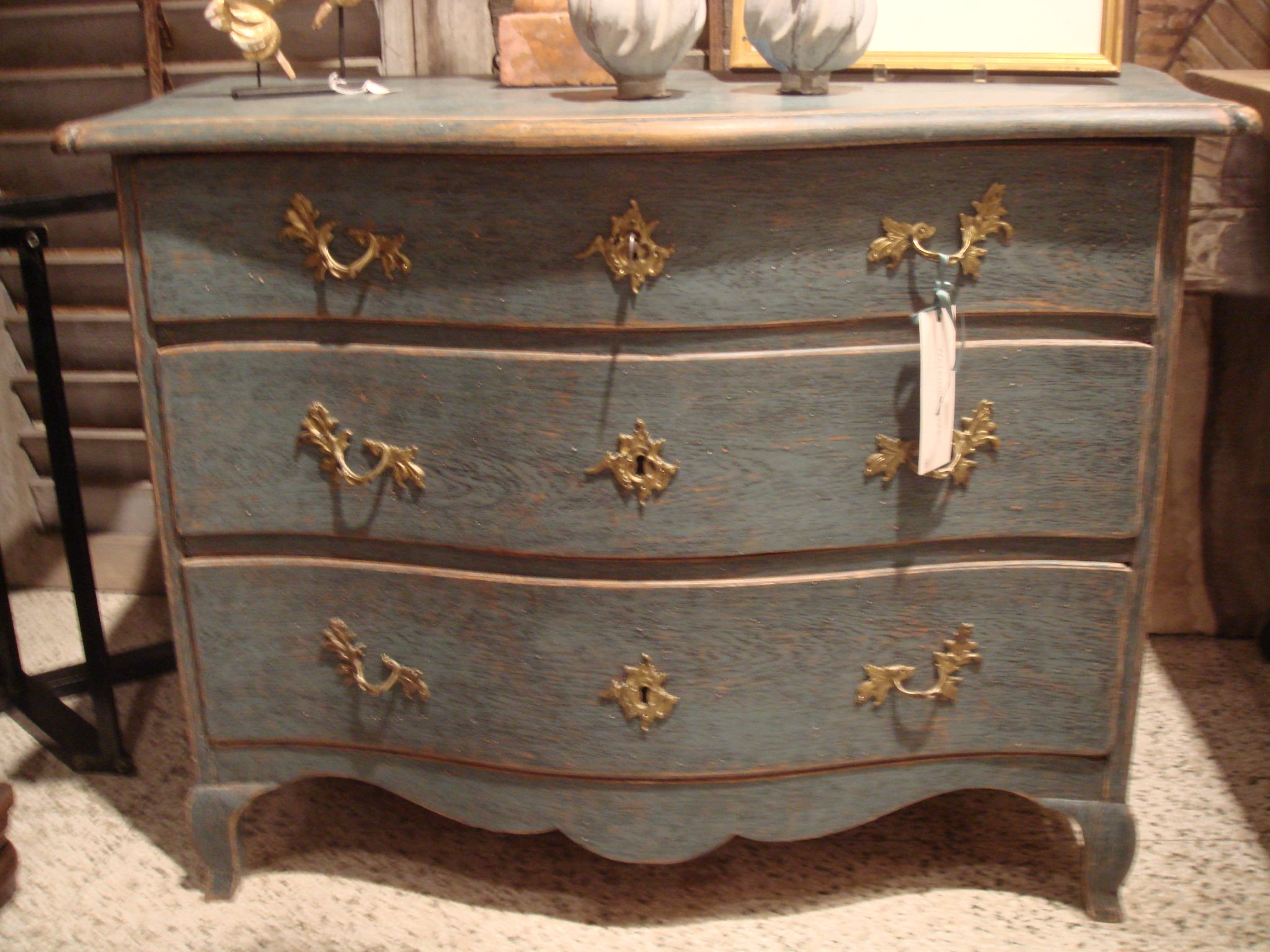 13 Of The Best Ways To Update French Provincial Furniture (With