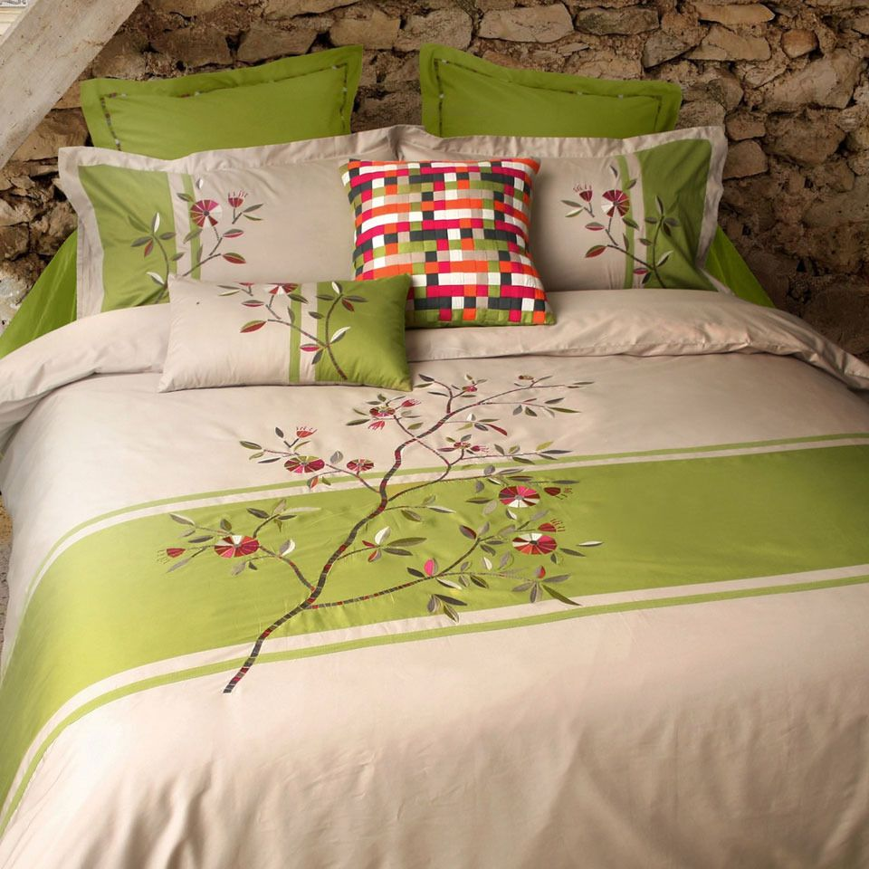 Seasons Collection Pinwheel 20 Piece Duvet Cover Set In Cream And ...