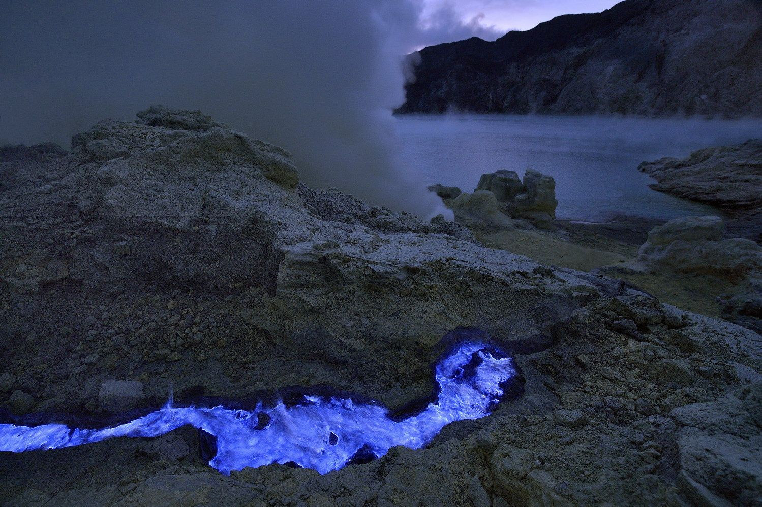 Photographer Captures Volcano With Blue Lava
