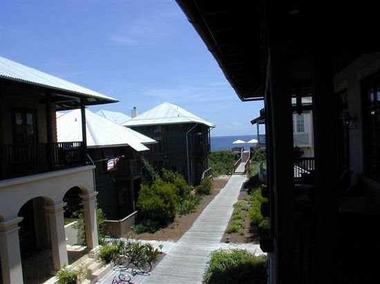Bring the whole familly on a vacation to Rosemary Beach!