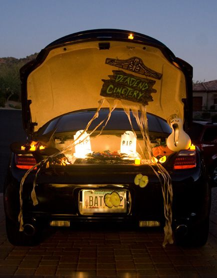 14 Clever Halloween Decorations To Dress Up Your Car Trunk Or