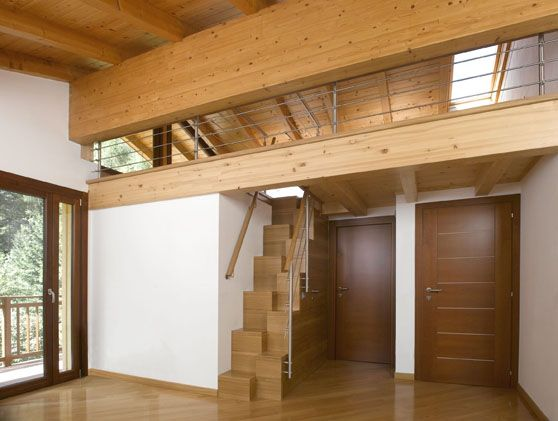 Scala a gradini sfalsati architettura interni - Scale ad angolo ...