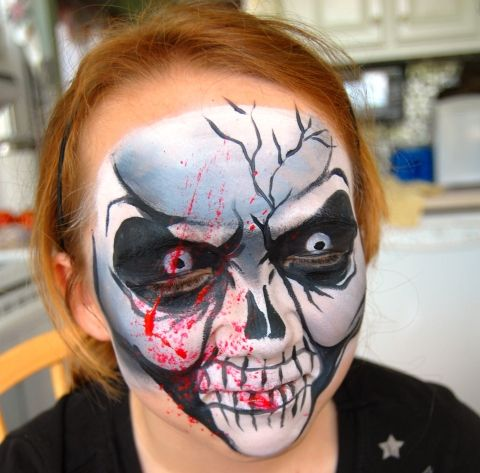 face painting skull wblood splatter - Skeleton Face Paint For Halloween