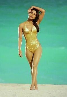 Priyanka chopra in sexy bikini