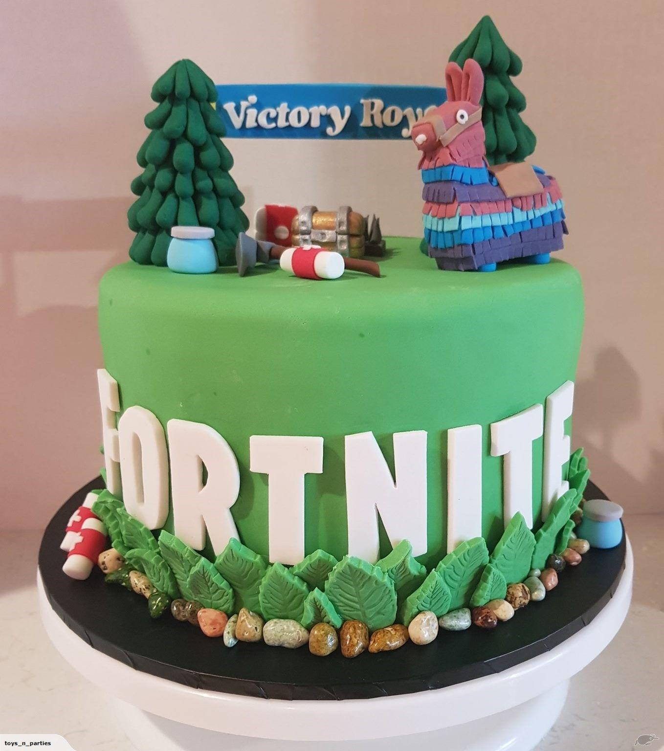 10 Fortnite Birthday Cake Decorations | Birthday cake ...