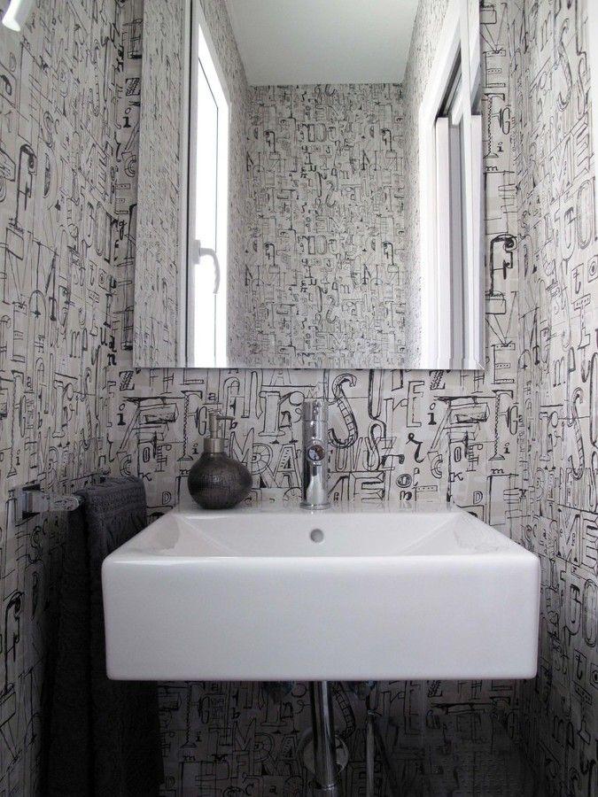 Papel pintado de letras en el baño #espejo #pared Baños