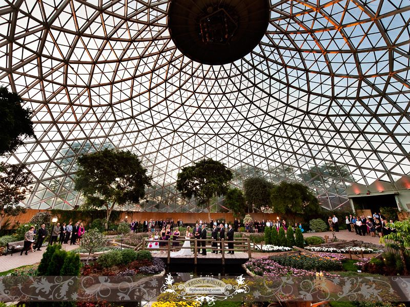 Ceremony At The Milwaukee Domes Mitchell Park Conservatory Photo By Front Room Photography