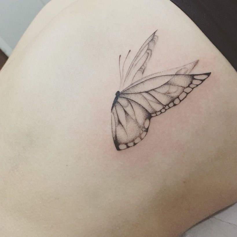 butterfly tattoo. Borboleta. @layvasconcelos @gleycelimaz