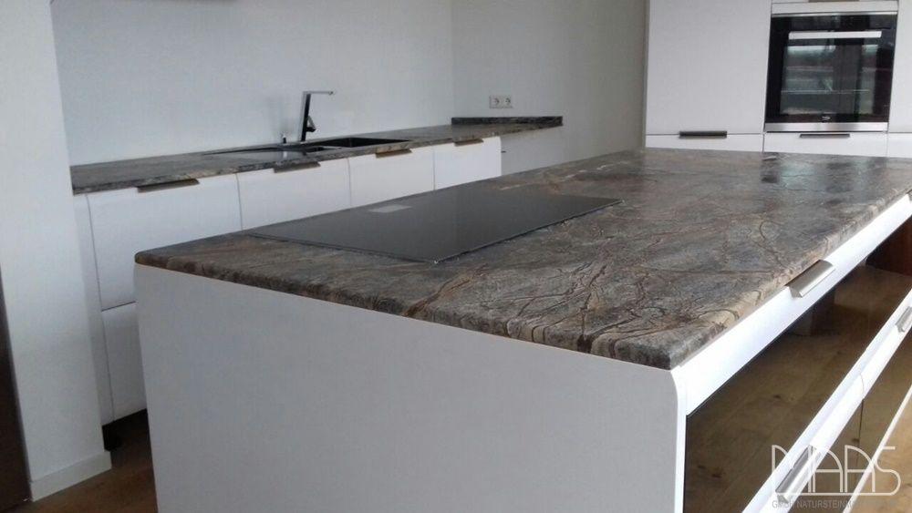 Die Marmor Arbeitsplatten Aus Dem Material Rainforest Brown In 2 Cm Starke Mit Geburstet Rinascimento Oberflachen Home Ping Pong Table Home Decor