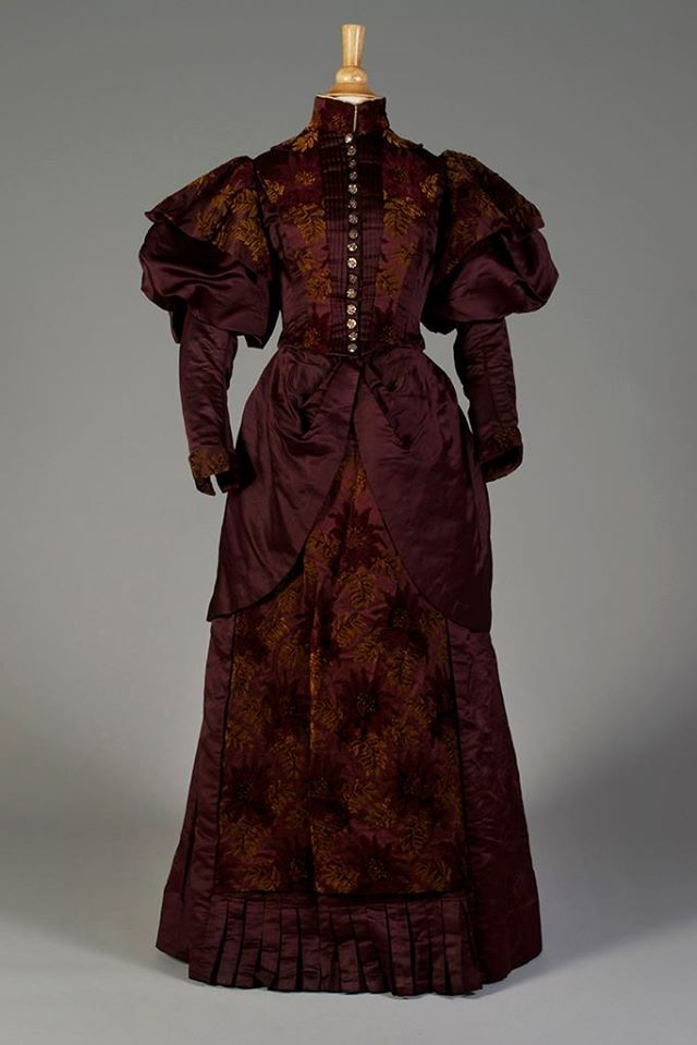 Day dress ca. 1895 From the Kent State University Museum on Facebook