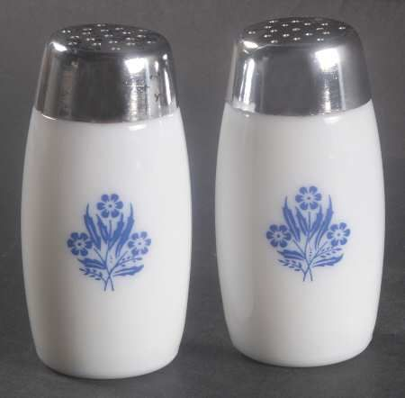 Vintage Pfaltzgraff Gazebo Blue Salt /& Pepper Shakers