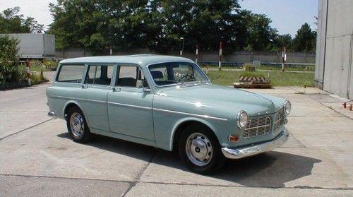 Horizon blue Volvo Amazon Kombi P220 estate restored in Germany.