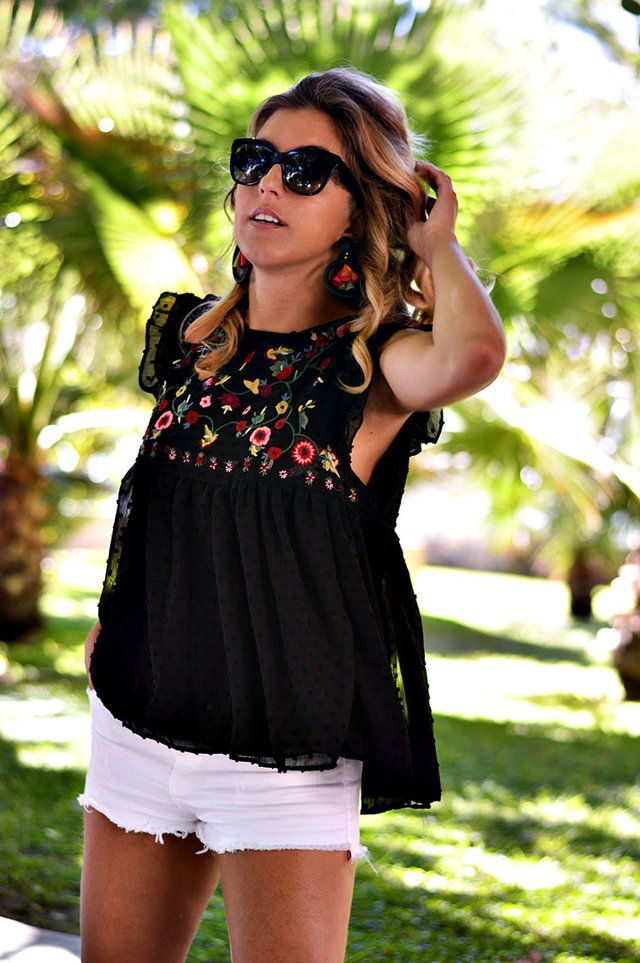 9335830d1871 Off the shoulder romper perfect for tall girls and summer travel ...