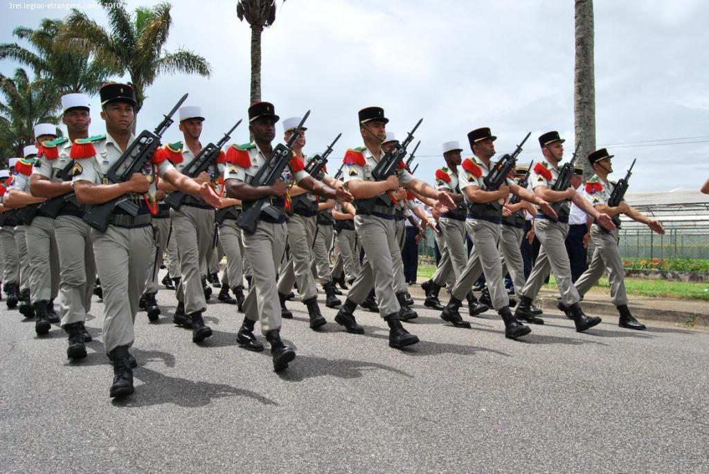 14 Juillet à Kourou La Légion étrangère Armée Française Surveillant Pénitentiaire