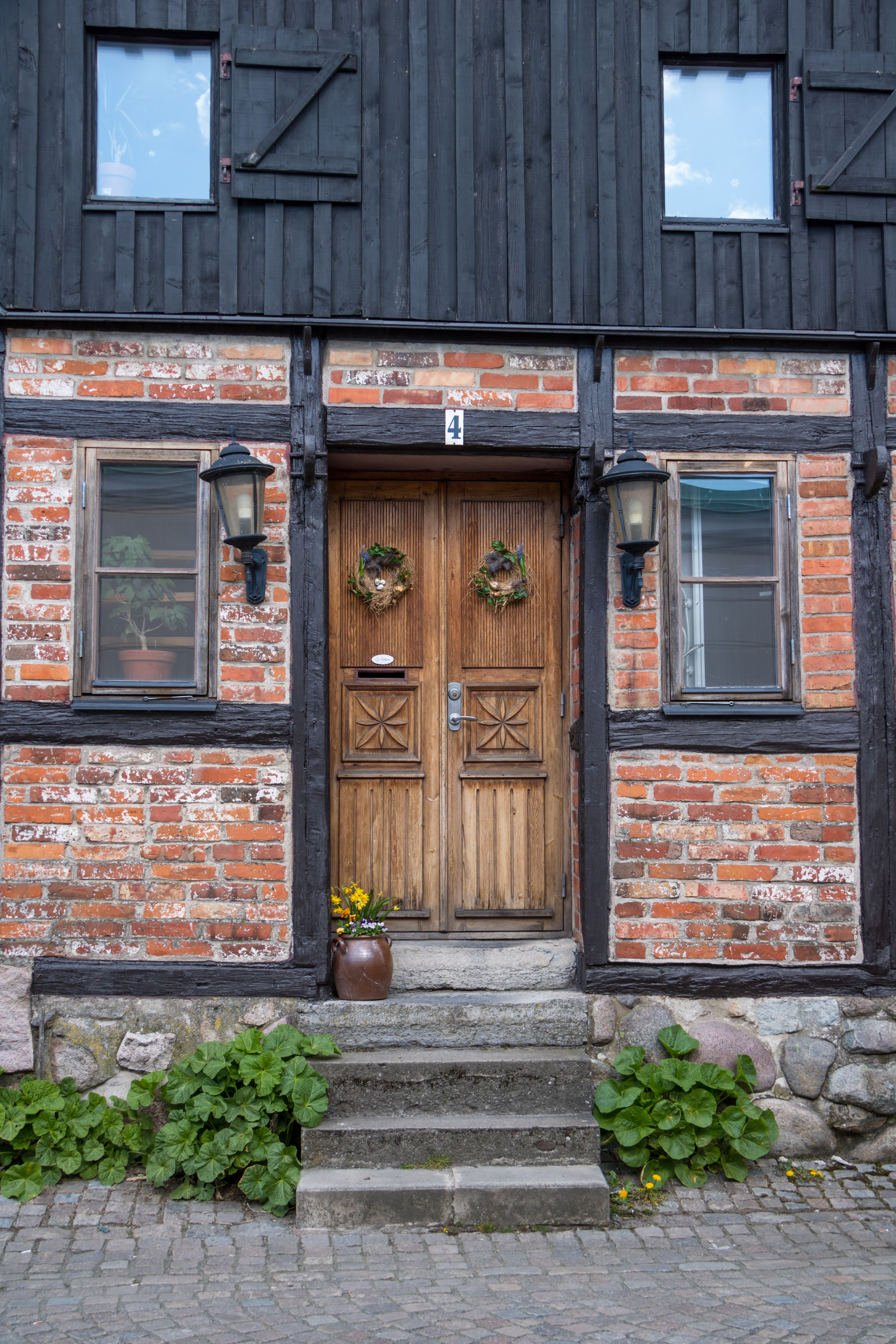 Window City Street Architecture Wall Road Wood House  Town Door Cottage Brick Downtown Alley D Rr Ystad Home  Facade Urban Area Human Settlement Neigu2026