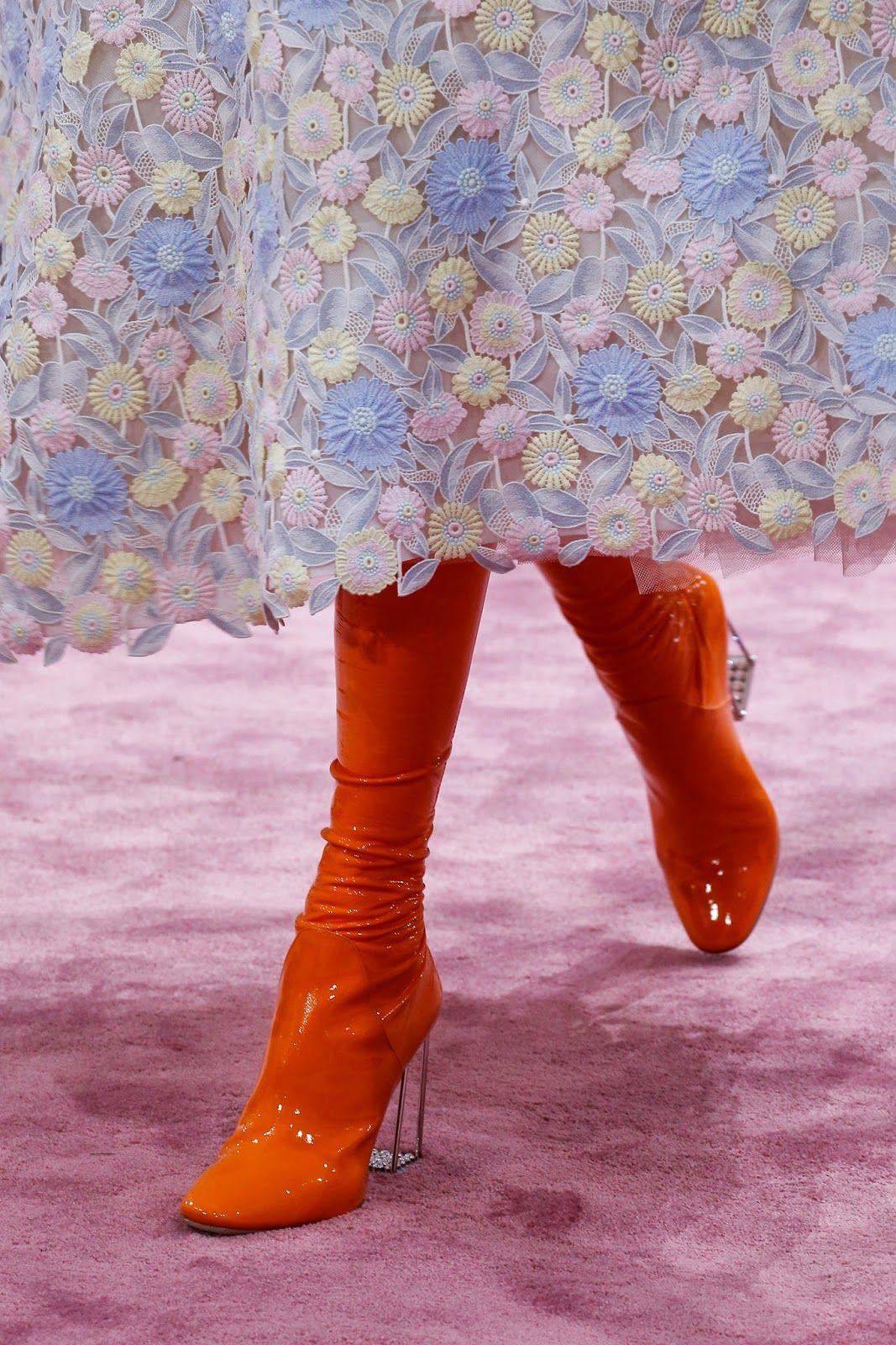 Tiratela Di Meno! - Il Fashion Blog che non è snob -: Haute Couture - It's the finer details that count