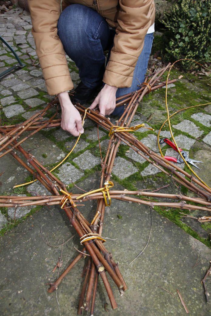 Stern Aus ästen : weihnachtsdeko ein stern aus zweigen dreieck weihnachten und weihnachtsdekoration ~ Yuntae.com Dekorationen Ideen
