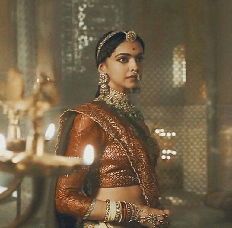 Bollywood Actress Deepika Padukone As Rani Padmavati Deepika Padukone Style Deepika Padukone Deepika Padukone Movies
