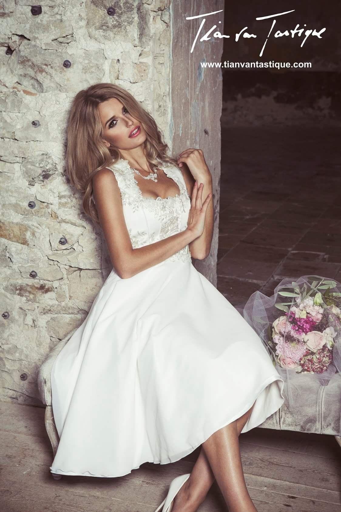 Zauberhaftes Designer Brautdirndl für die moderne Hochzeit in Tracht ...
