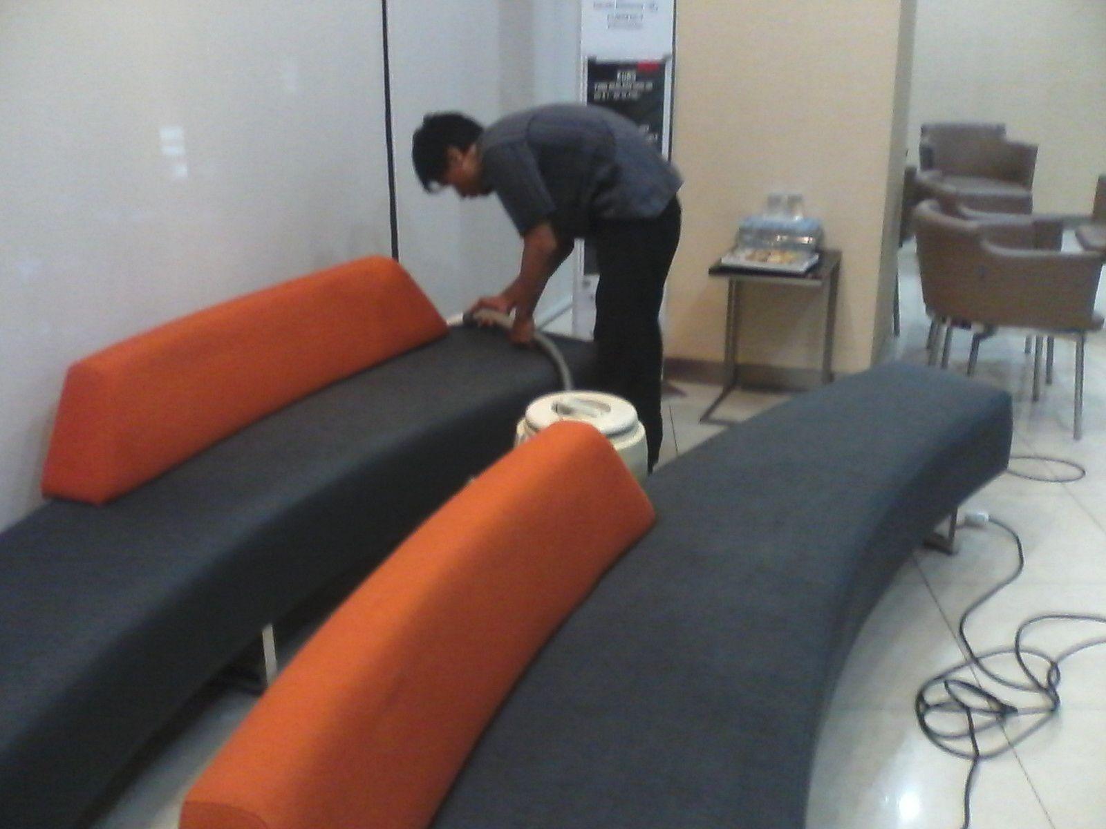 Jasa Laundry Sofa,Cuci Spring bed Kebayoran Baru Sofa