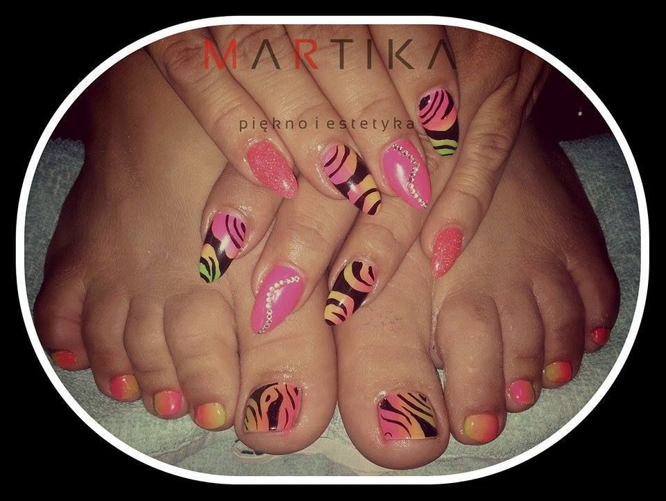 by Marta Rybicka, Double Tap if you like #mani #nailart #nails #pink Find more Inspiration at www.indigo-nails.com