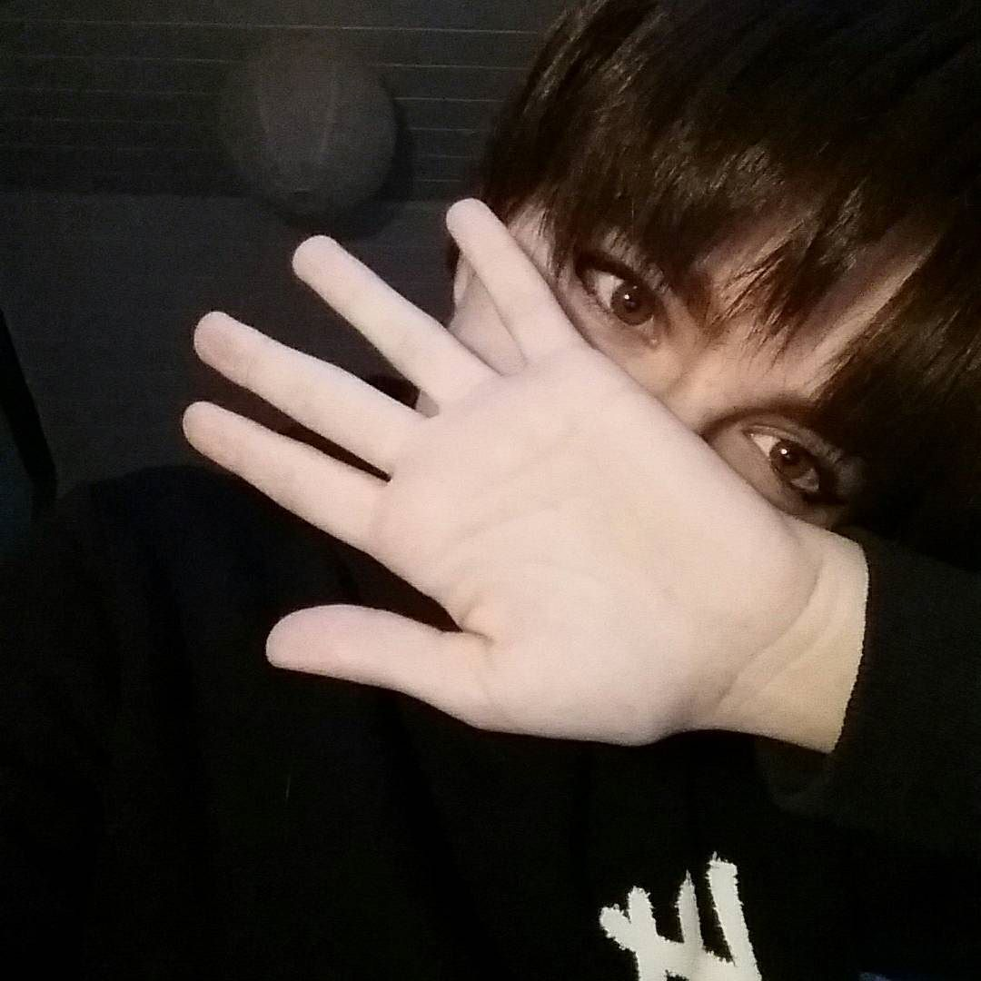 I'm back! :3 - - #Eren #erenjaeger #attackontitan #aot #ereri #cosplay #erencosplay #erenjaegercosplay #attackontitancosplay #aotcosplay #germancosplay #germancosplayer #animecosplay #snk #shingekinokyojincosplay #shingekinokyojin #anime #manga
