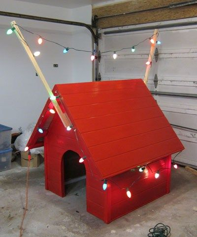 Building Snoopy S Dog House For Christmas Snoopy Dog House Dog