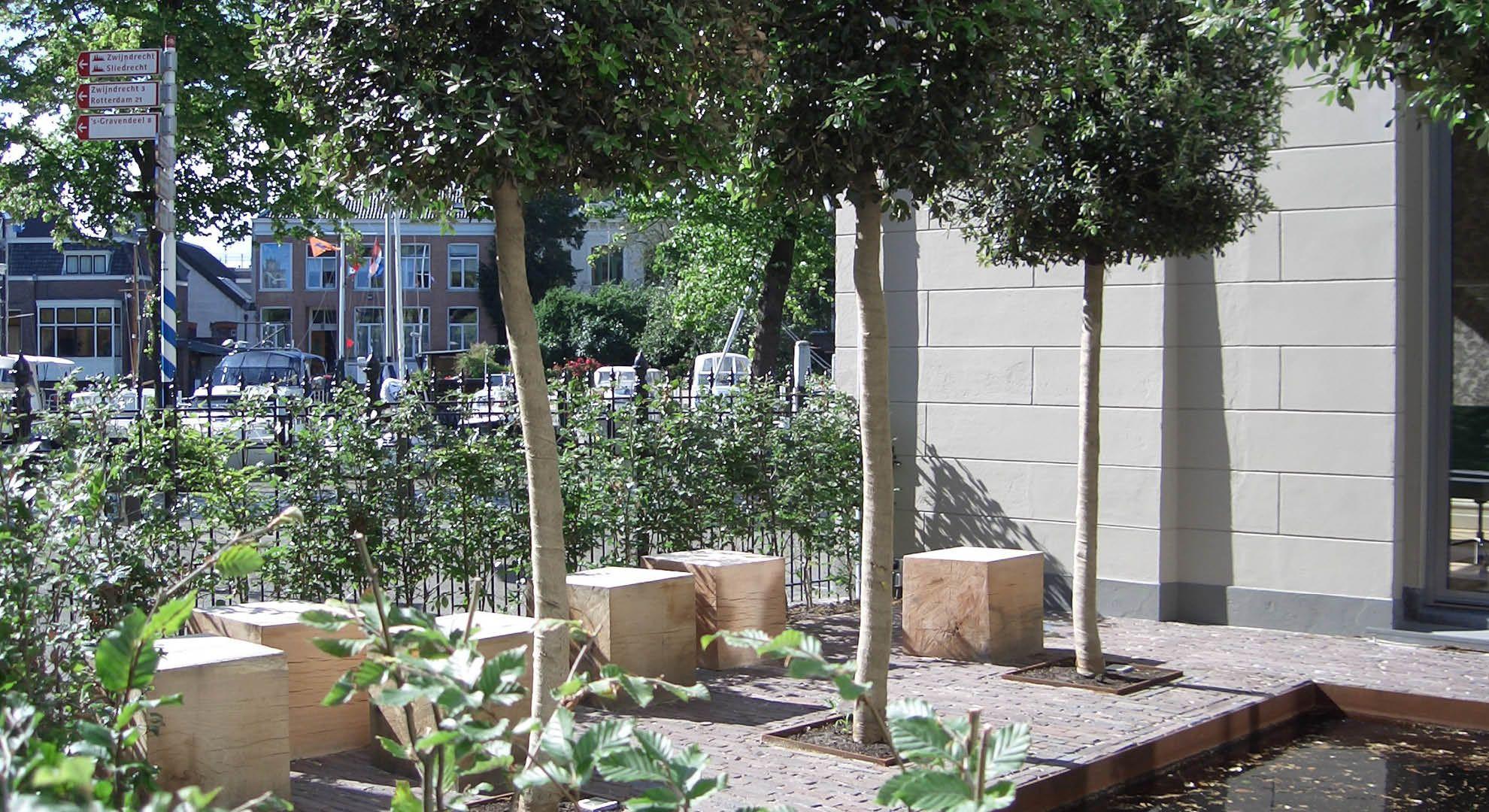 Rodenburg tuinen kantoortuin in dordrecht spiegelvijver met