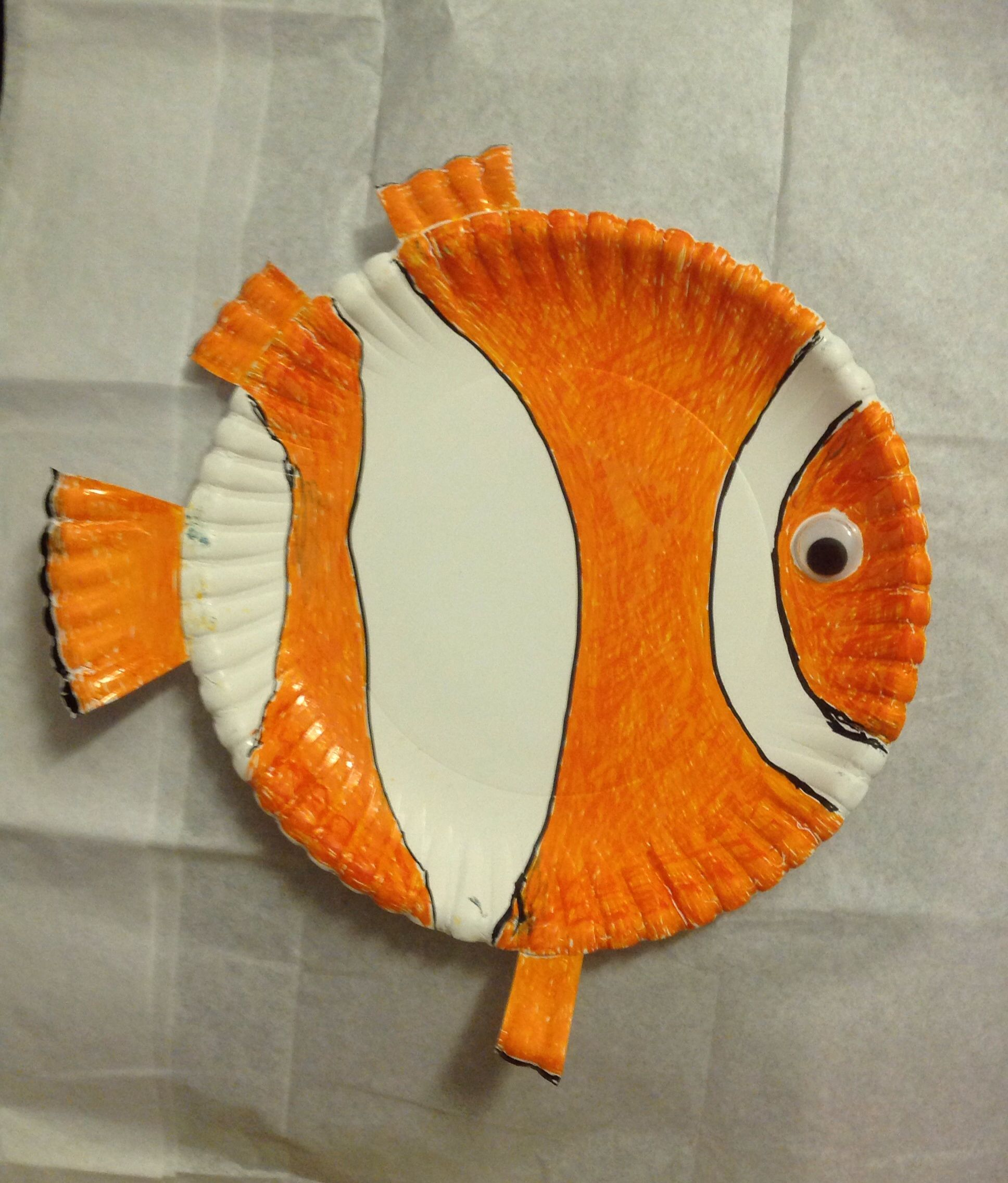 Finding nemo using paper plate easy crafts for kids for Finding dory crafts for preschoolers