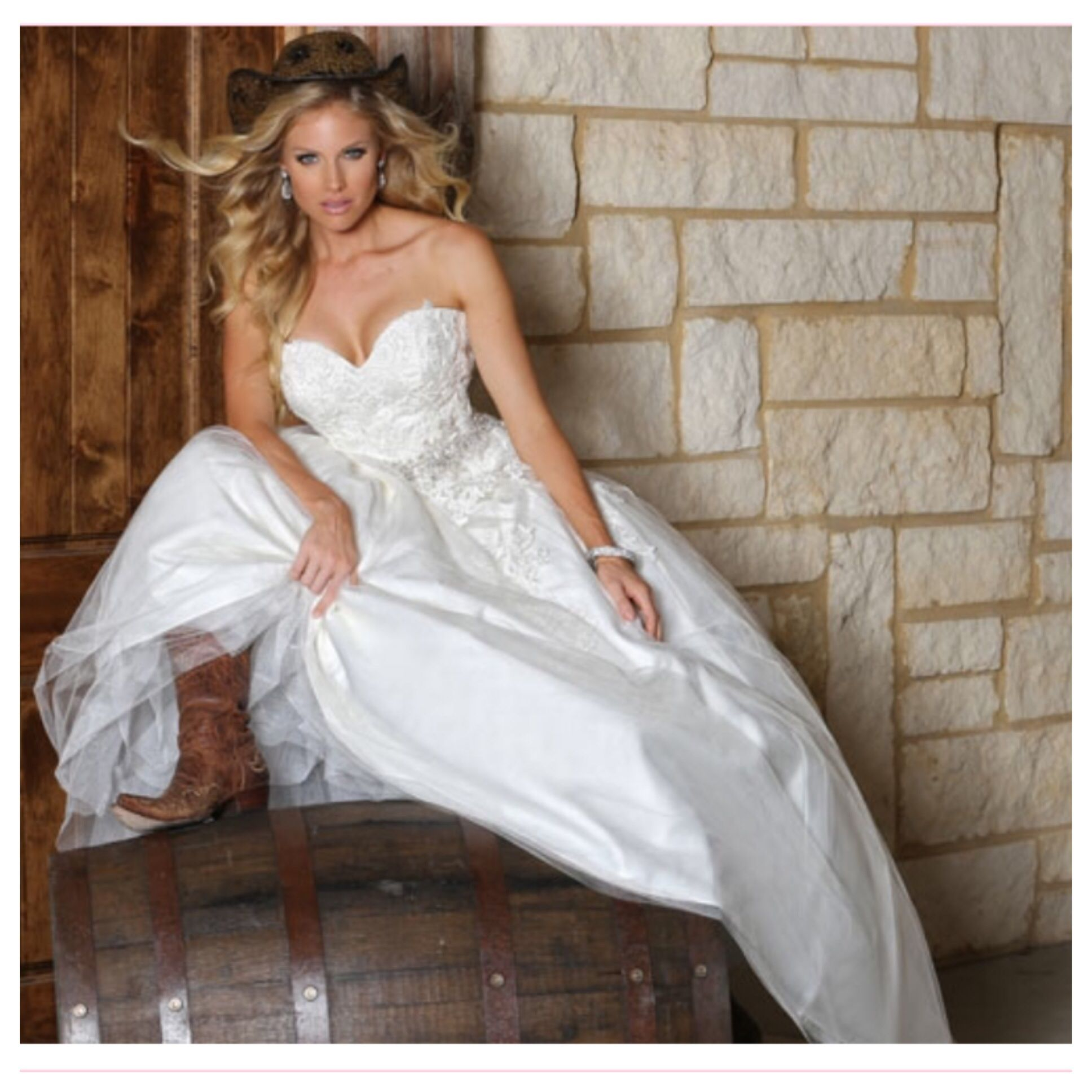 Da Vinci Wedding Gowns: Wedding Gowns, Designer Wedding Gowns