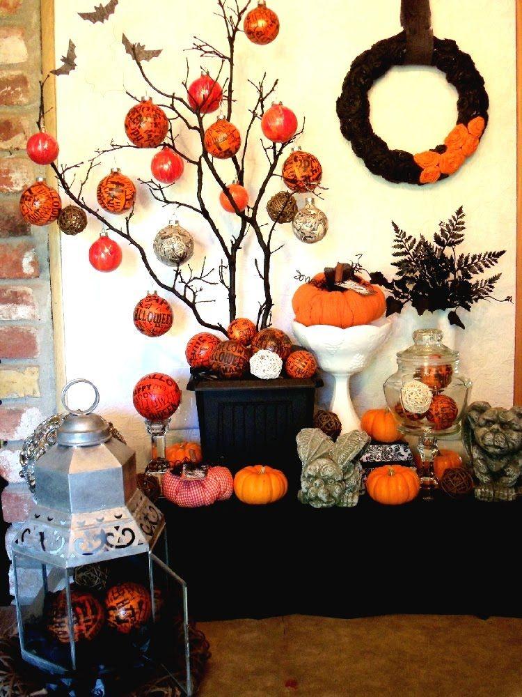 Cute crepe paper bats! Samhain Halloween decorations