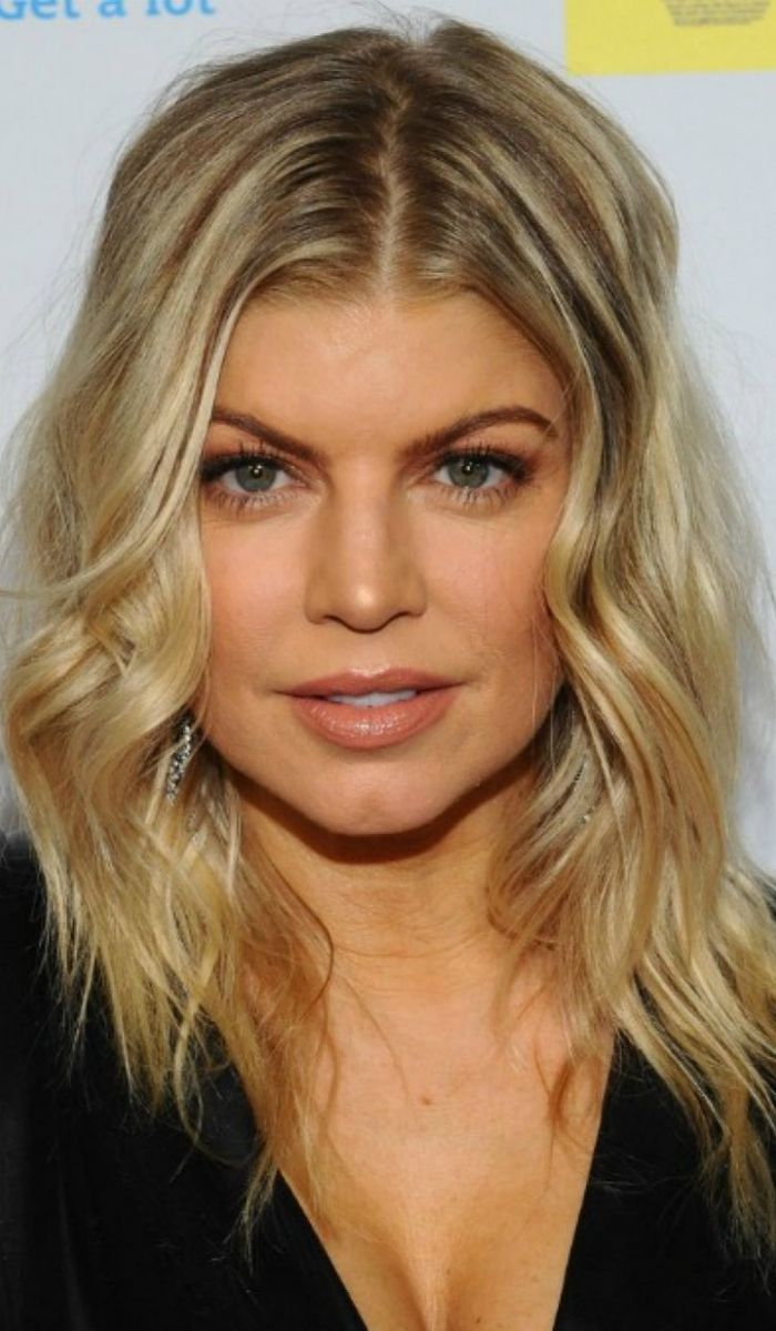 Fergie Casual Long Layered Hairstyle