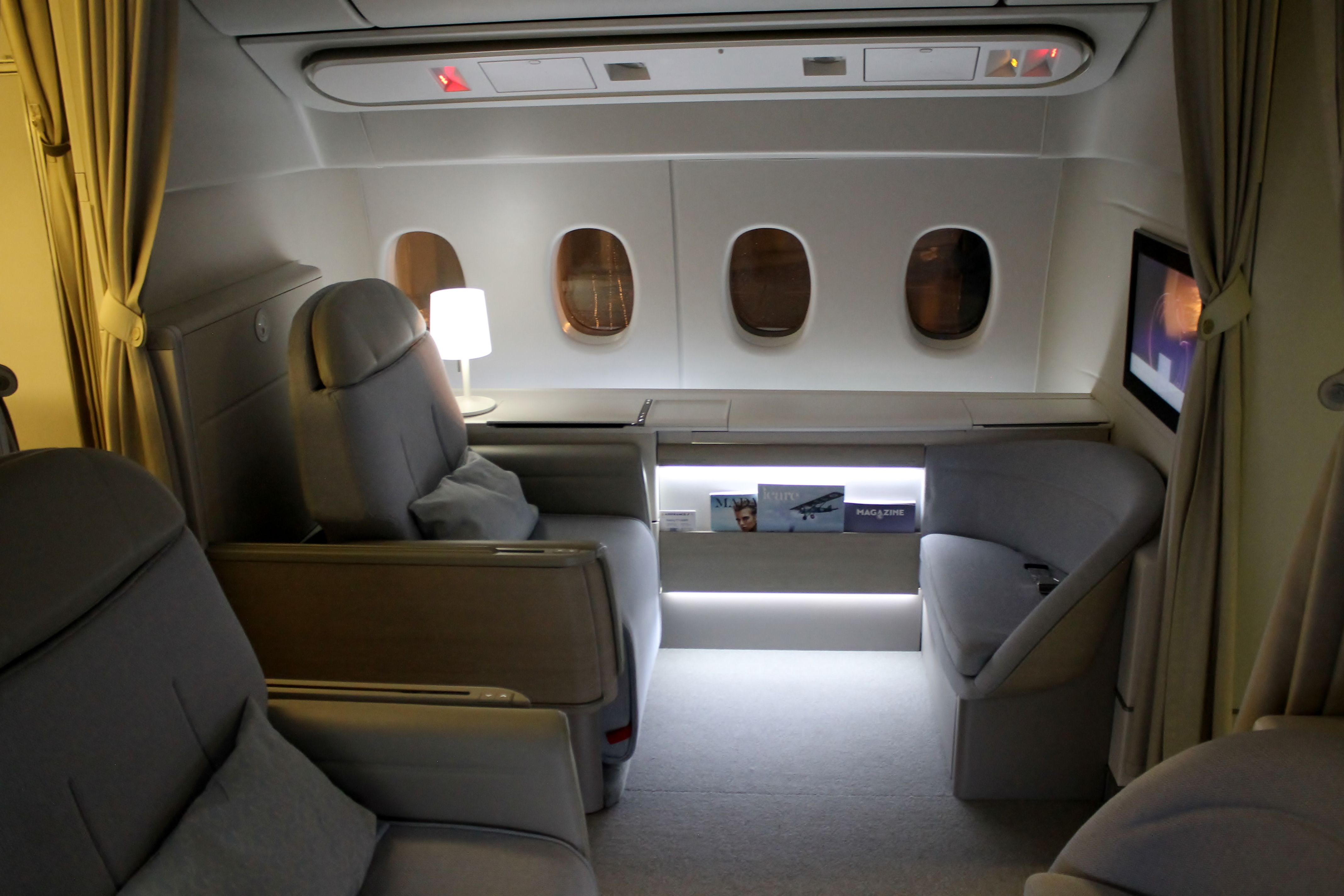 AirFrance 777 New First Class 飛行機