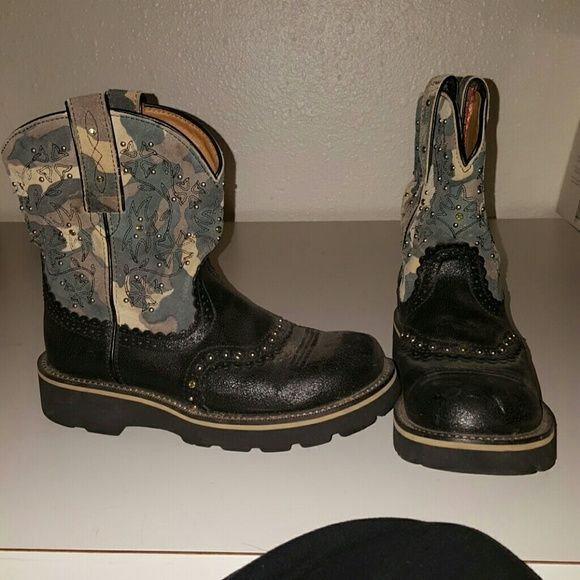 Camo ariat fatbaby boots. Ariate fatbaby boots. A little wear but a lot of life left. Great condition. Ariat Shoes Ankle Boots & Booties