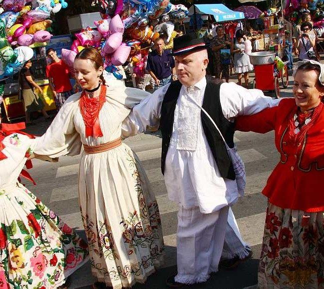 Vinkovacke Jeseni invites you to dance