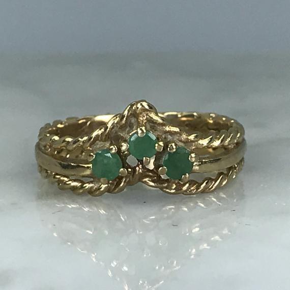 Emerald Wishbone Band. 9K Yellow Gold. Unique Engagement Ring. Wedding Band. Vintage Estate Jewelry. May Birthstone. 20th Anniversary #20thanniversarywedding