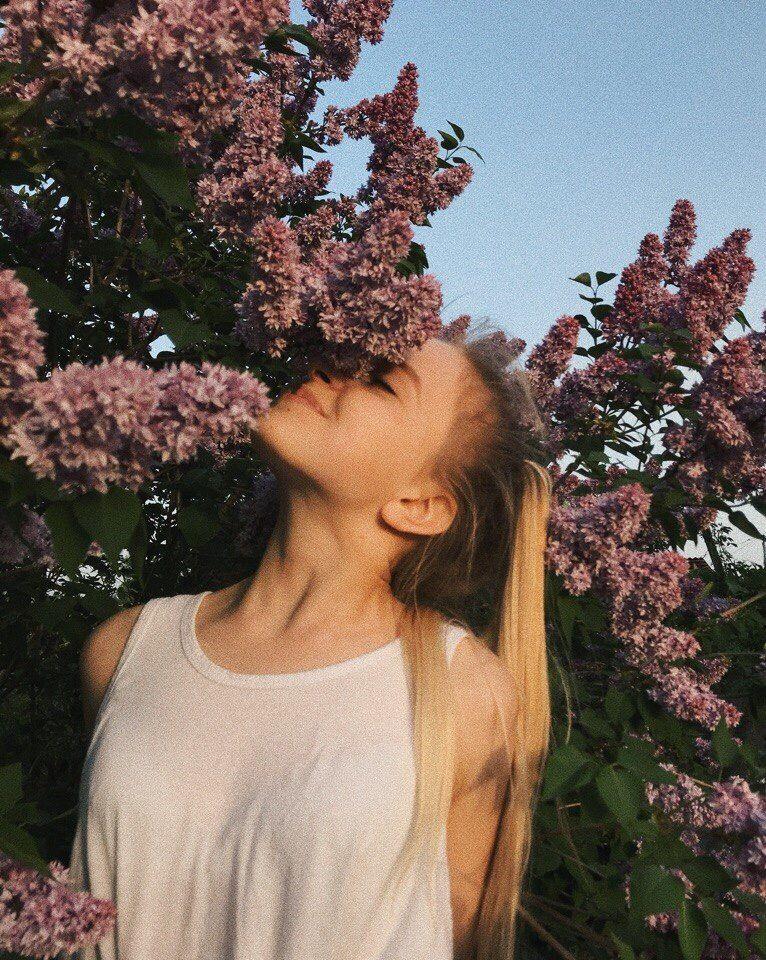 #сирень #девушка #весна #spring #flowers #букетсирени #природа #nature #joy #радость