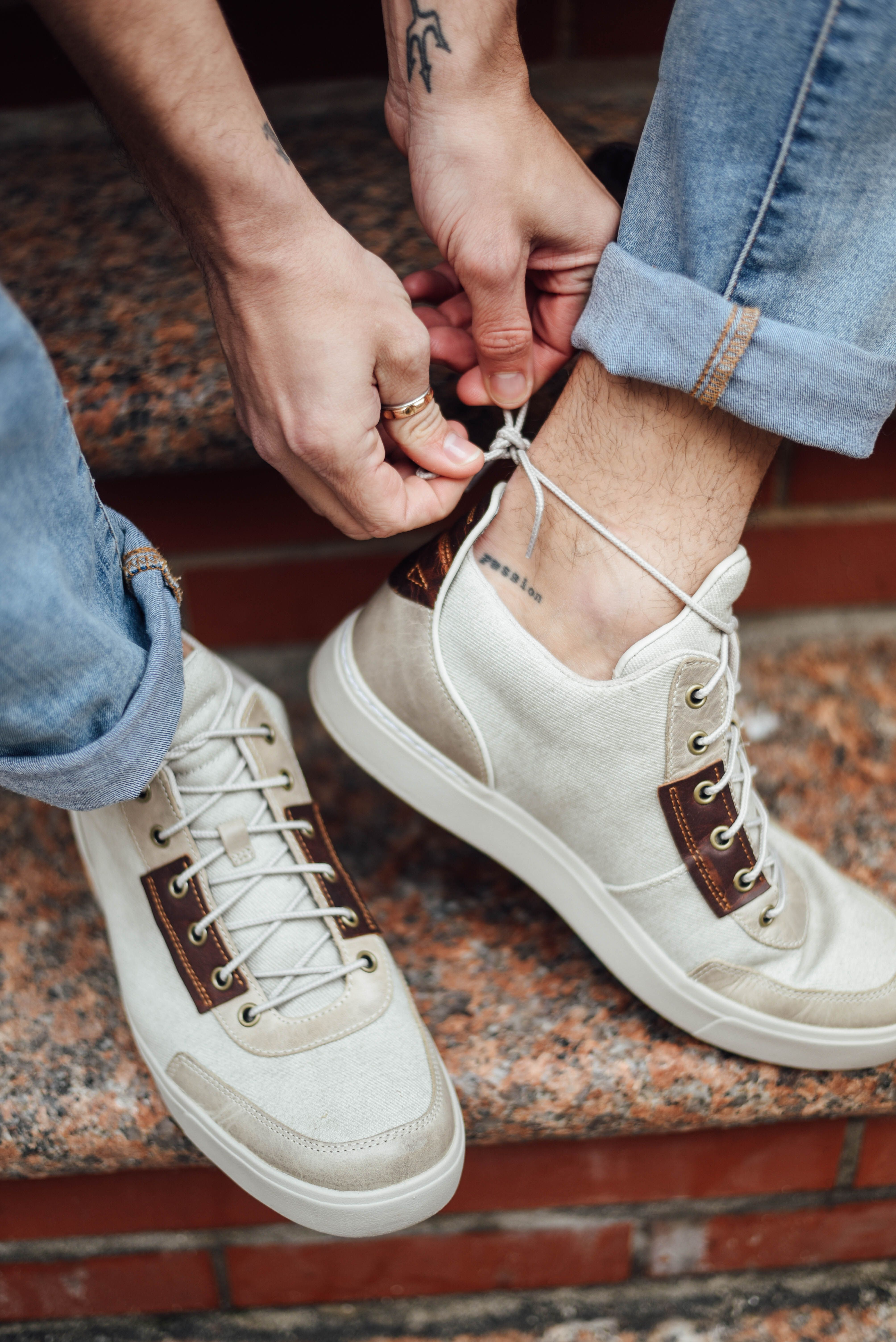 Justin Livingston shows us how he styles his high-top Chuckka's (no socks  required