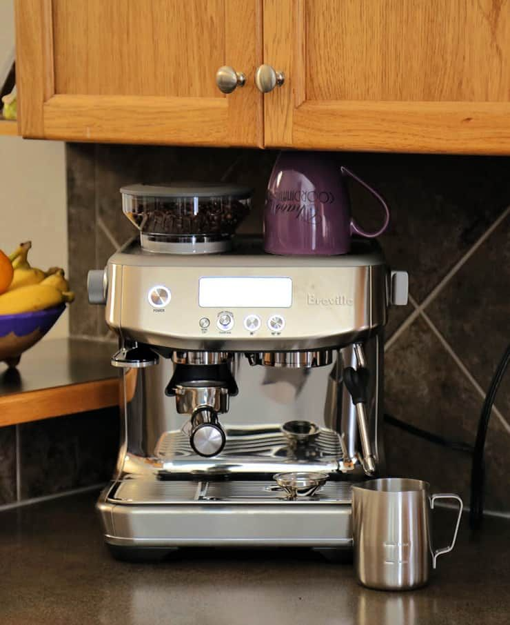 A Review Of The Breville Barista Pro Espresso Machine How To Make Cafe Quality Coffee At Home Baristapro Espresso Machine Espresso Breville Espresso Machine