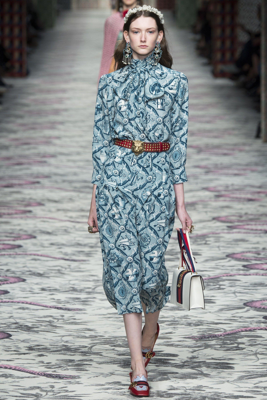 4b4216a4304a Gucci Spring 2016 Ready-to-Wear Fashion Show - Alyson Chalmers