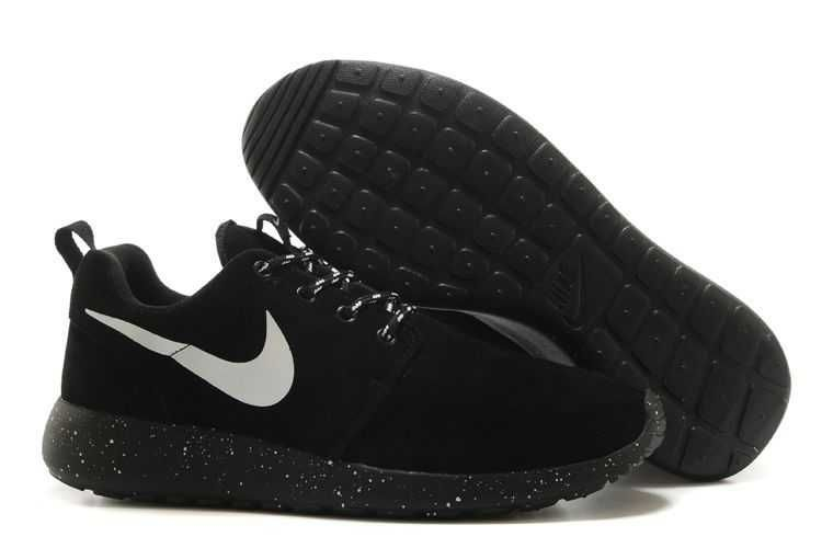 Nike Roshe Run Suede Star Promo Womens Black White Shoes
