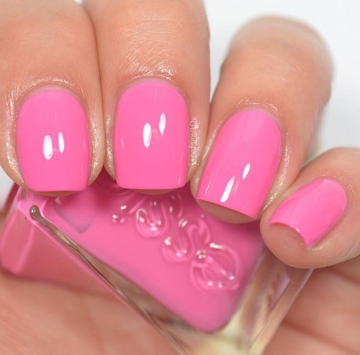 Essie - Model Citizen (Gel Couture Fashion Show Collection)   Nails ...