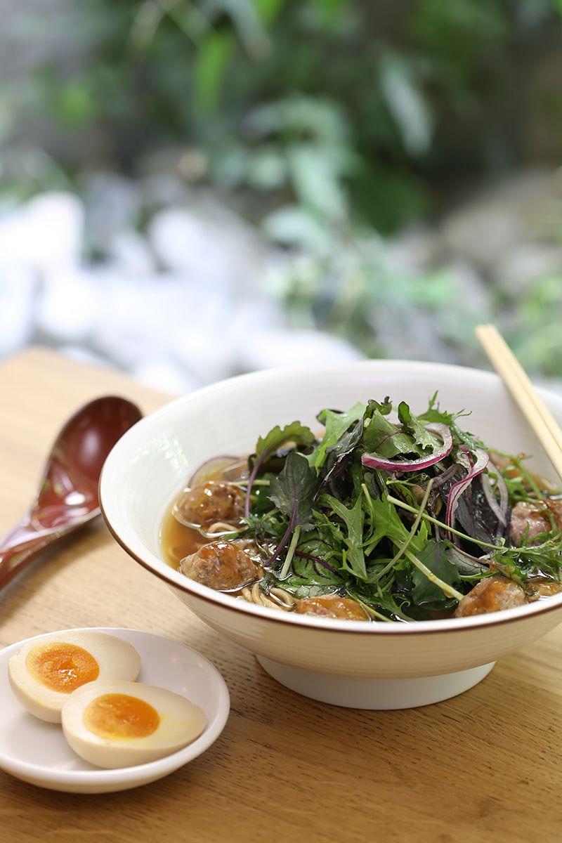Ramen sette ortaggi giapponesi e polpette