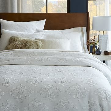 Organic Diamond Medallion Matelasse Duvet Cover Shams Stone