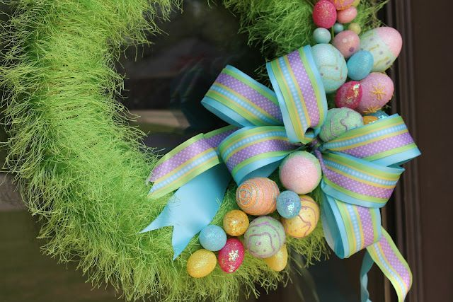 Fast & easy #Easter wreath made from #FunFur! Love the beautiful bow.